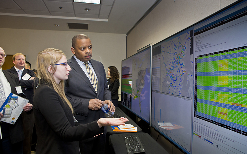 Student presents at transportation summit